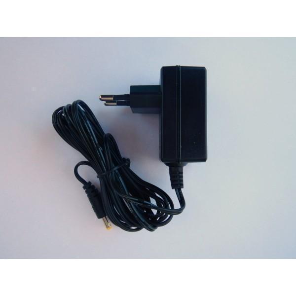 Síťový adaptér 220 / 12V DC 2000mA pro fotopast OXE Panther 4G / Spider 4G